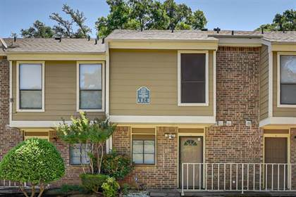 Residential for sale in 2121 Park Willow Lane A, Arlington, TX, 76011
