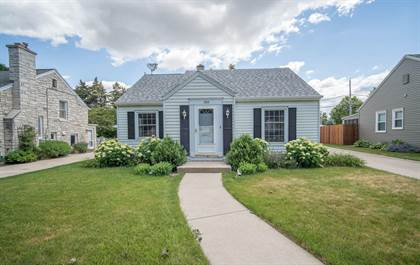 Residential Property for sale in 300 S Honey Creek Dr, Milwaukee, WI, 53214