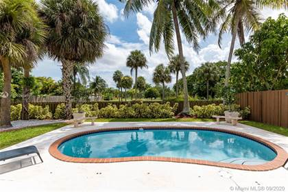 Residential for sale in 15940 SW 105th St, Miami, FL, 33196