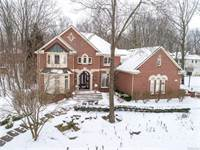 Photo of 1722 S HIDDEN VALLEY Drive E, Milford, MI