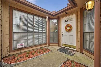 Residential for sale in 2425 E Timberview Lane, Arlington, TX, 76014