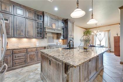 Residential Property for sale in 4009 Chesterfield Place, Oklahoma City, OK, 73179