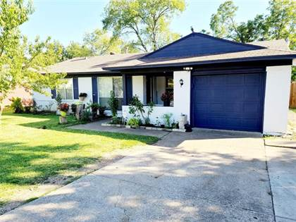 Residential for sale in 2004 Ruth Street, Arlington, TX, 76010