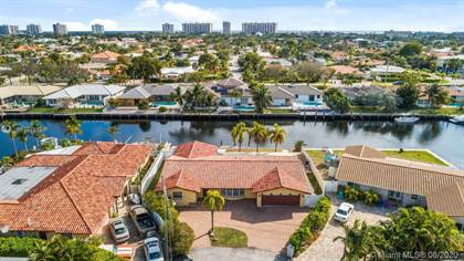 Residential Property for sale in 2820 NE 57th St, Fort Lauderdale, FL, 33308