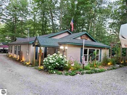Residential for sale in 691 Norway Street, Harrison, MI, 48625