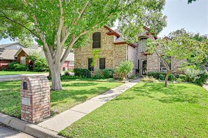 Residential for sale in 6301 Meadowedge Road, Arlington, TX, 76001