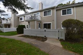 Condo for sale in 43 DEERBERRY LN 43, South Brunswick Township, NJ, 08852