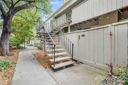 Condo for sale in 905 Apricot Ave #D , Campbell, CA, 95008