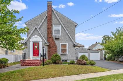 Residential Property for sale in 137 Buckingham Place, Lynbrook, NY, 11563