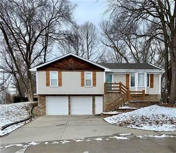 Residential for sale in 200 E 14th Street, Kearney, MO, 64060