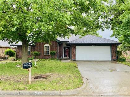 Single-Family Home for sale in 7920 NW 82nd St , Oklahoma City, OK, 73132