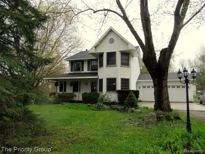 Residential for sale in 943 W DAVISON LAKE Road, Oxford, MI, 48371