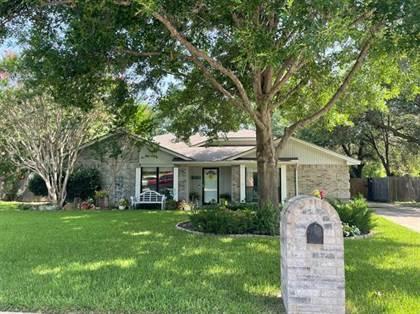 Residential for sale in 5605 Oak Brook Road, Arlington, TX, 76016