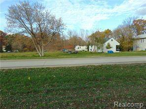 Residential Property for sale in 1000 BARKER Road, Whitmore Lake, MI, 48189