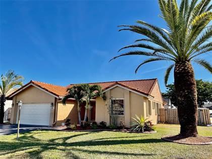 Residential for sale in 5940 Epsom Ln, Davie, FL, 33331