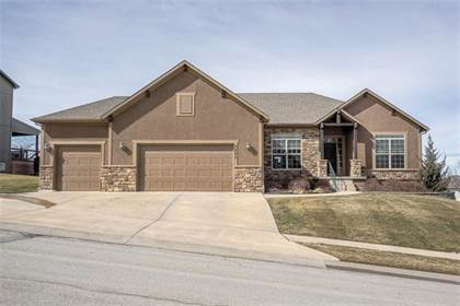 Residential Property for sale in 5920 S National Drive, Parkville, MO, 64152