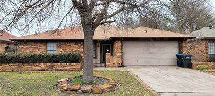 Residential for sale in 1900 Willow Vale Drive, Fort Worth, TX, 76134
