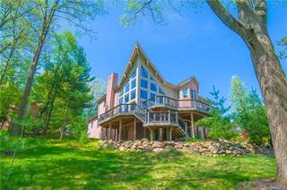 Single Family for sale in 1770 Chieftain Circle, Oxford, MI, 48371