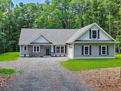 Residential for sale in 108 Magnolia Ln, Milford, PA, 18337