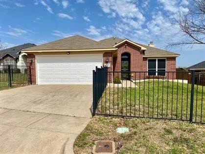 Residential for sale in 8069 Whitney Lane, Fort Worth, TX, 76120