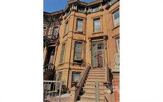 Townhouse for sale in 495 Madison St, Brooklyn, NY, 11221
