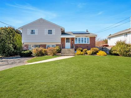 Residential Property for sale in 22 Monroe Avenue, Hicksville, NY, 11801