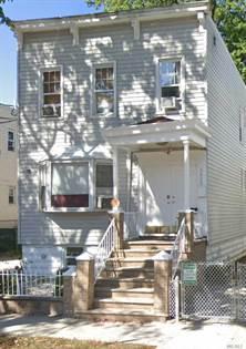 Multifamily for sale in 2423 Glebe Ave, Bronx, NY, 10461