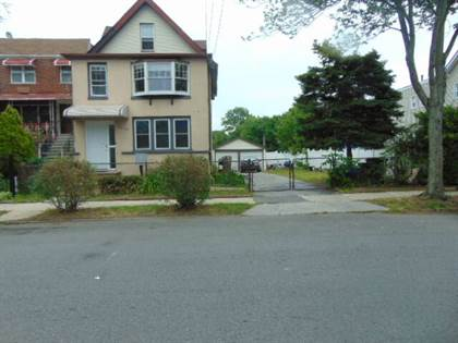 Multifamily for sale in 4038 Pratt Avenue, Bronx, NY, 10466