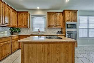 Single Family for sale in 5924 Lorenzo Drive, Grand Prairie, TX, 75052