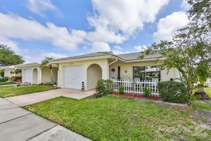 Condominium for sale in 10435 Azalea Park Dr, Pinellas Park, FL, 33782