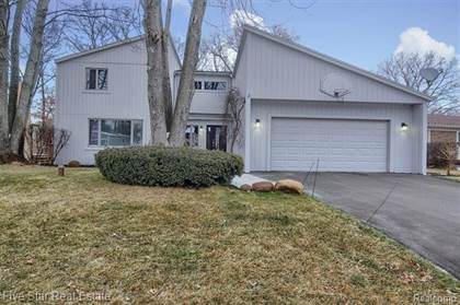 Residential for sale in 1497 Spruce Drive, Commerce Township, MI, 48390