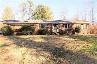 Single Family for sale in 1939 E NC Highway 65, Walnut Cove, NC, 27052