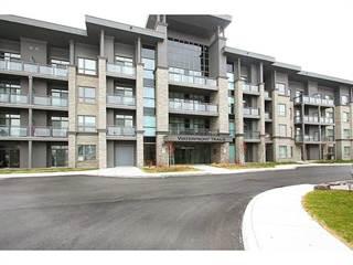 Condo for sale in 35 Southshore Crescent, Stoney Creek, Ontario
