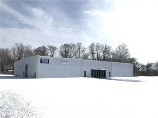 Comm/Ind for sale in 444 Bank Ln Southwest, New Philadelphia, OH, 44663