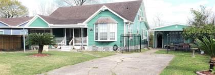 Residential for sale in 7931 Scanlock Street, Houston, TX, 77012