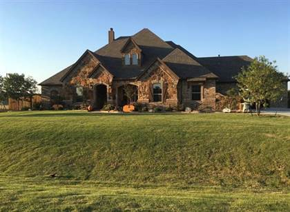 Residential for sale in 1324 Bluff Springs Drive, Fort Worth, TX, 76052