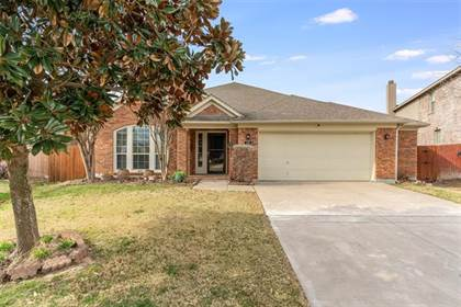 Residential for sale in 445 Marble Creek Drive, Fort Worth, TX, 76131