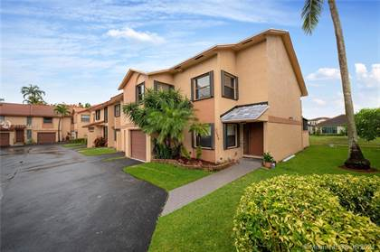 Residential Property for sale in 1036 SW 113th Ter 1036, Pembroke Pines, FL, 33025