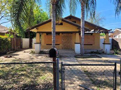 Residential for sale in 3142 E Lowe Avenue, Fresno, CA, 93702