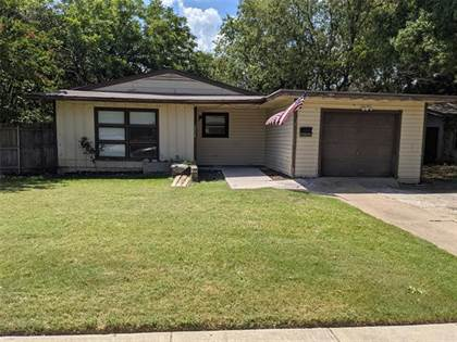 Residential for sale in 2712 Holiday Drive, Arlington, TX, 76010