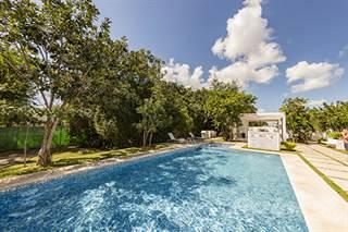 Townhouse for sale in Playa del Carmen  Town Home for sale Gated Community Selva Nova, Playa del Carmen, Quintana Roo