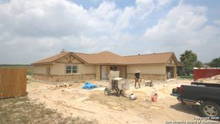 Residential Property for sale in 157 TURNBERRY, Stockdale, TX, 78160