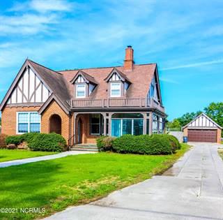Residential Property for sale in 305 N Wilson Street, Walstonburg, NC, 27888