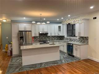 Townhouse for rent in 1843 South Loring Place 1, Bronx, NY, 10453