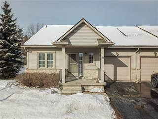 Condo for rent in 10 34 SOUTHBROOK Drive, Binbrook, Ontario, L0R2C0