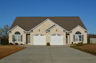 Townhouse for sale in 1677 B Cambria Drive, Greenville, NC, 27834