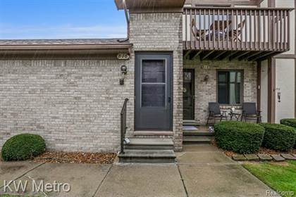 Residential Property for sale in 816 COUNTRY CLUB Drive, St. Clair Shores, MI, 48082