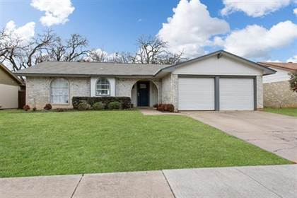Residential for sale in 3308 Cornell Drive, Arlington, TX, 76015