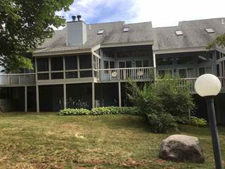 Condo for sale in 86 Village Lane 3C, Conway, NH, 03818