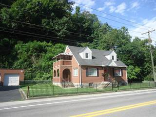 Single Family for sale in 222 STEWART ST, Welch, WV, 24801